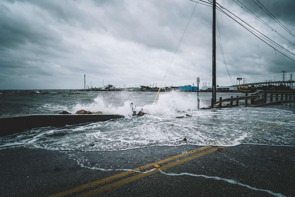 L'ouragan Harvey qui a dévasté le Texas en 2017 doit, en partie, sa puissance destructrice d'une vitesse de déplacement exceptionnellement faible. © eric, Fotolia