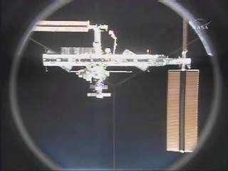 L'ISS vue depuis Discovery après la séparation. Crédit NASA.