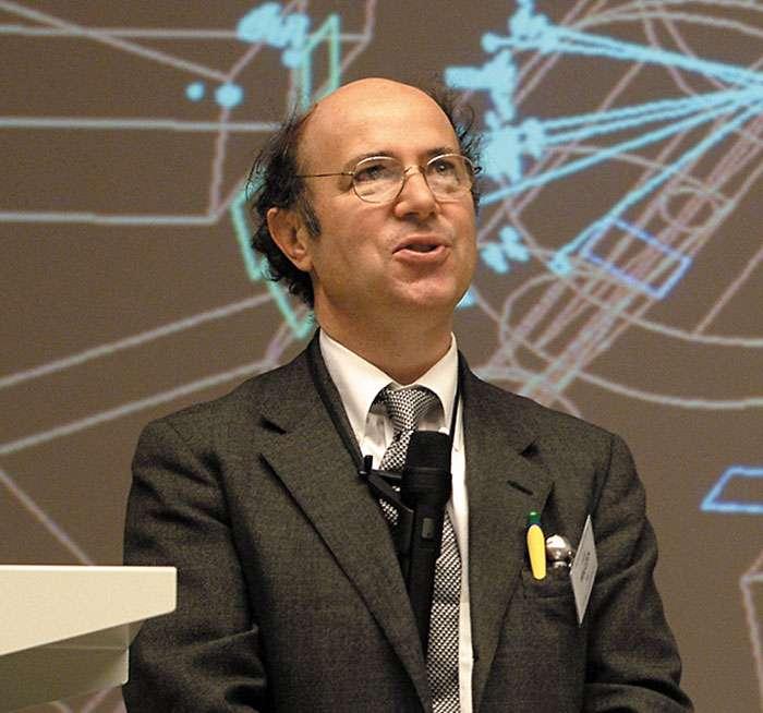 Le prix Nobel de physique Frank Wilczek. Il a proposé l'existence d'une nouvelle particule, l'axion, qui constituerait peut-être une part importante de la matière noire. © Cern