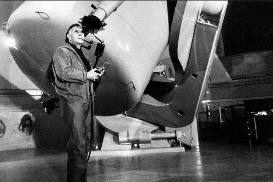 L'astronome Edwin Hubble découvrit le premier la véritable distance qui nous sépare des galaxies. © Palomar Observatory