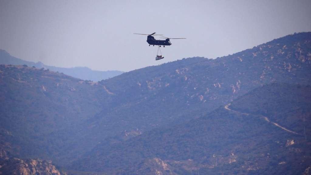 Transporté par un hélicoptère fourni par une unité d'aviation légère de l'armée, le modèle de test à l'échelle 1,1, conçu par Thales Alenia Space et assemblé au centre de recherche italien CIFA à Capoue, a été largué depuis une altitude de 3.000 mètres. © Thales Alenia Space