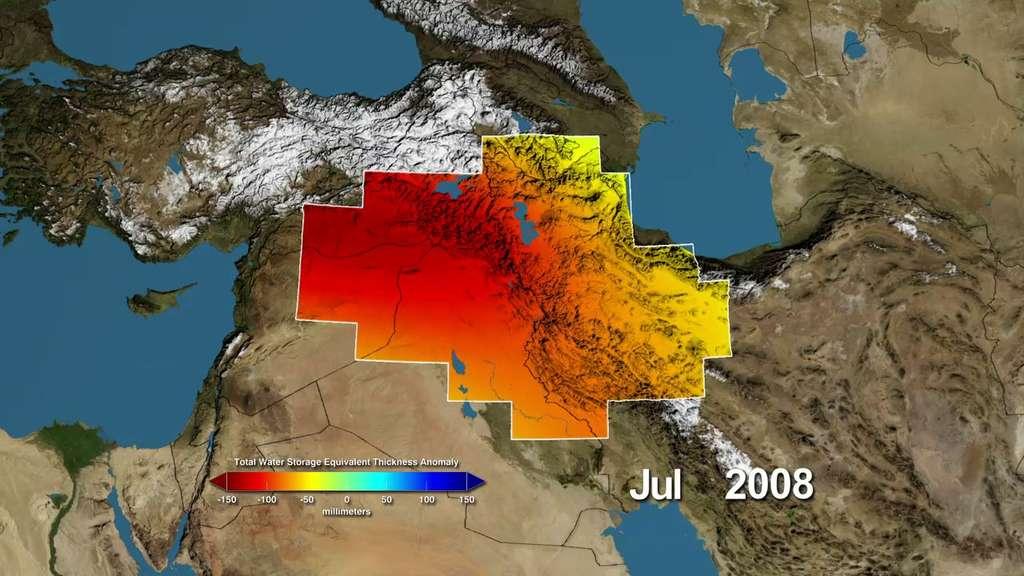Variations de stockage de l'eau par rapport à la moyenne dans le bassin Tigre-Euphrate. Mesurées par le satellite Grace, les variations sont exprimées en millimètres. En rouge, les zones plus sèches que la normale, et en bleu les zones plus humides. © Nasa, UC Irvine, NCAR