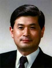 Hwang Woo-suk, un usurpateur ? C'est en tous cas l'avis du comité d'experts de l'Université de Corée du Sud Pour sa part, il pense avoir été manipulé... (Crédits : Stanford University)