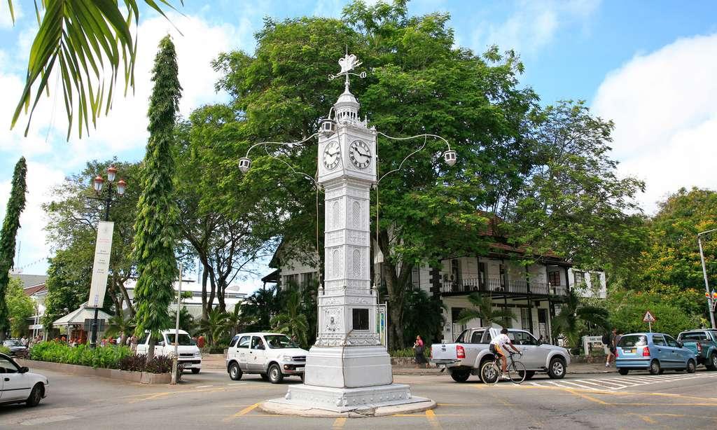 Reproduction miniature de Big Ben à Victoria, aux Seychelles