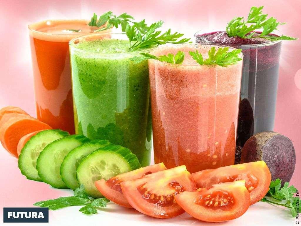 Jus détox : concombre, fenouil, tomate, épinards
