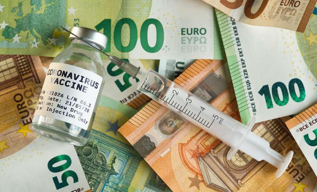 Une vaccination universelle contre le coronavirus coûterait plus de 1,2 milliard d'euros à la France. © Lubo Ivanko, Adobe Stock