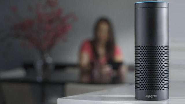 L'enceinte Echo d'Amazon devrait arriver en France dans le courant de l'année. © Amazon