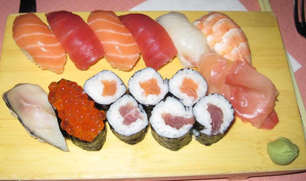 Selon l'étude menée par l'ONG Océana, dans les restaurants de sushis, 74 % des poissons vendus aux consommateurs étaient mal étiquetés. © Arnaud 25, cc by sa 3.0, Wikipédia