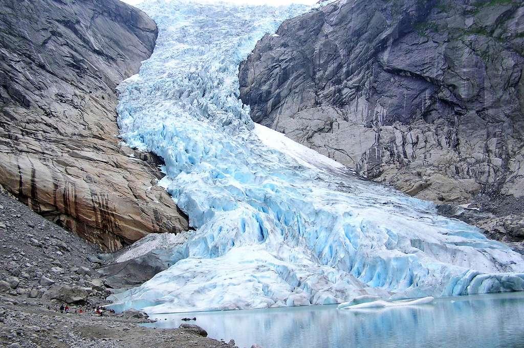Le glacier de Briksdal et ses merveilleuses cascades