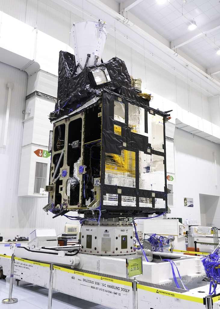 Le modèle structurel du satellite imageur (MTG-I) de Météosat de troisième génération, ici, vu en cours d'intégration dans l'usine cannoise de Thales Alenia Space (juin 2019). © Rémy Decourt