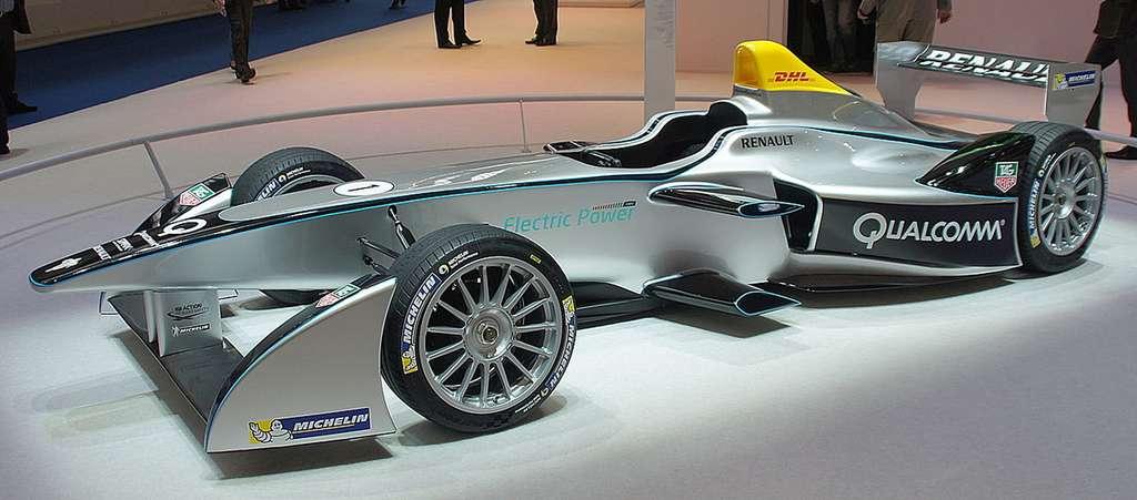 La Spark-Renault SRT E01. Les monoplaces de la Formule E utilisent pour l'instant ce même châssis. Le moteur, pour cette saison 2015-2016, peut être choisi par l'écurie. © Smokeonthewater, licence Creative Commons (BY -SA 3.0)