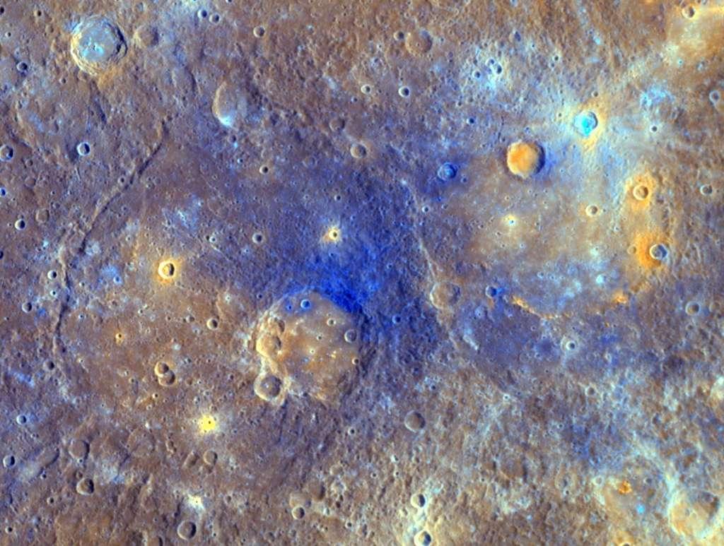 Les spectromètres de la sonde Messenger ont fourni de précieux renseignements sur la surface de Mercure. Sa composition est très proche de celle de la météorite NWA 7325. © Nasa, Johns Hopkins University Applied Physics Laboratory, Carnegie Institution of Washington