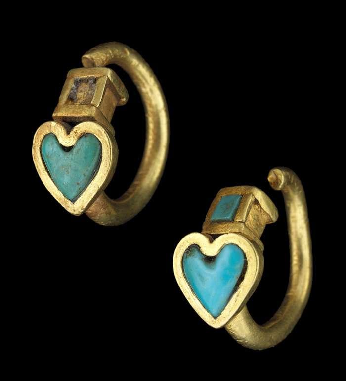 Boucles d'oreilles en or et turquoise du Ier siècle