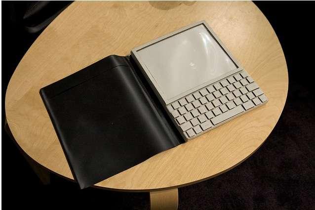 Un prototype du Dynabook, conçu il y a quarante ans par Alan Kay, précurseur des générations de tablettes l'ayant suivi. © Marcin Wichary, Creative Commons