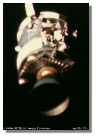 Apollo 13 : une catastrophe muée en démonstration de maîtrise technico-opérationnelle. Un exploit rendu possible grâce à la conception flexible du système et… à la présence d'hommes à bord ! Crédits : NASA