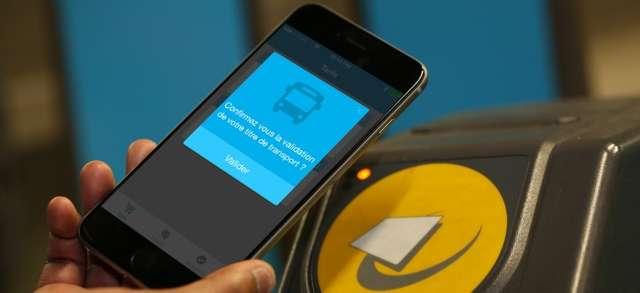 L'application en fonctionnement près d'une borne. L'achat vient d'être validé sans contact, avec une opération très simple. © TBC Connect, Epitech