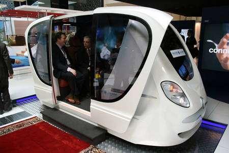 En démonstration, le véhicule dans lequel rouleront bientôt les habitants et les visiteurs de Masdar City. © Masdar