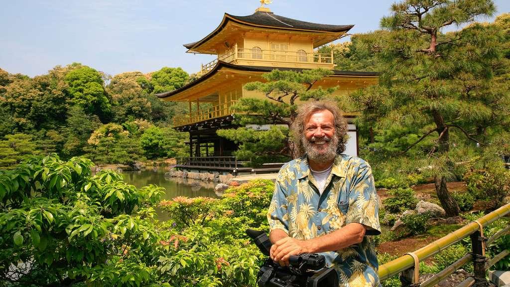 Antoine devant le Pavillon d'Or Kinkaku-ji, à Kyoto