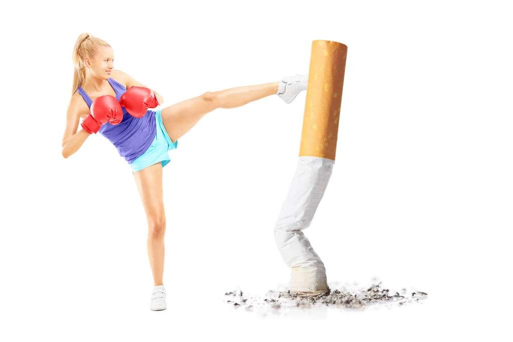 Adopter des comportements plus sains ou côtoyer des gens qui les entreprennent constituera un sérieux atout dans la lutte contre le tabac. © Ljupco Smokovski, Adobe Stock