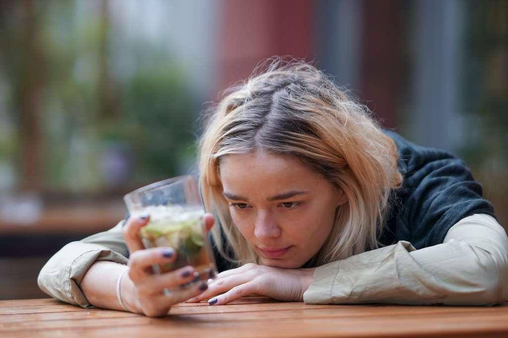 Même éliminé plus rapidement, l'alcool est toxique pour l'organisme. © gallofilm, Adobe Stock