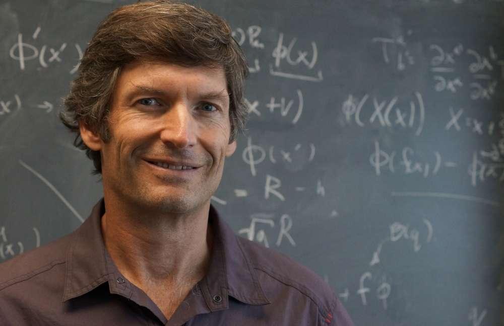 Le physicien Steven Giddings. Il a passé sa thèse avec Edward Witten, le grand physicien de la théorie des cordes et lauréat de la médaille Fields en mathématiques. © Sonia Fernandez