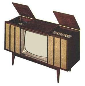 Une télévision de 1960 par tube à rayons cathodiques, Motorola Model 23SF3. © Domaine public