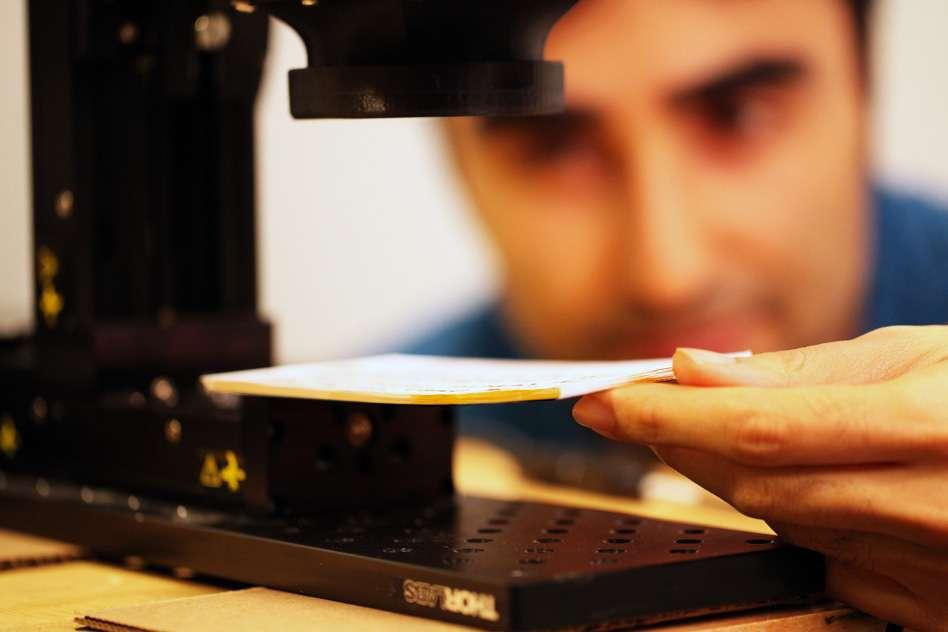 Les chercheurs du MIT Media Lab et du Georgia Tech font partie des premiers à avoir réussi à créer un dispositif d'imagerie fonctionnel exploitant le rayonnement térahertz. © Barmak Heshmat, MIT Media Lab