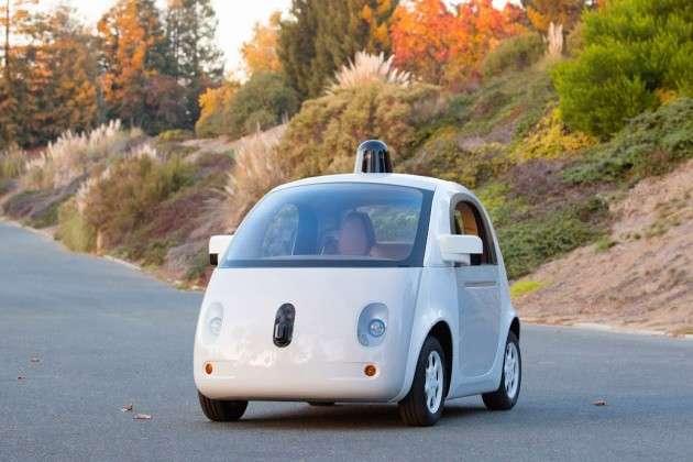 Si Google développe depuis plusieurs années une voiture sans chauffeur (comme ce projet récemment présenté), pourquoi ne pas envisager qu'Apple puisse faire de même avec une voiture électrique ? Il ne faut pas oublier que ces géants de la high-tech sont en permanence à la recherche de nouveaux marchés susceptibles d'alimenter leur croissance à long terme. © Google