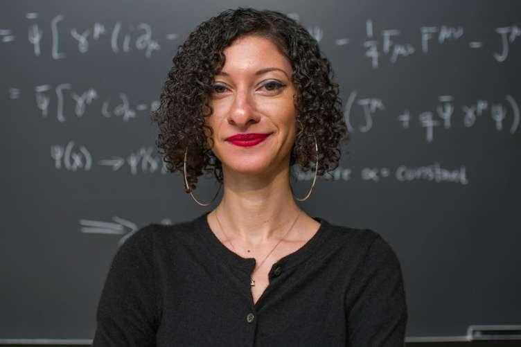 Chanda Prescod-Weinstein, astrophysicienne à l'université du New Hampshire. © Jeremy Gasowski, université du New Hampshire