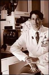Jeffrey ROTHSTEIN dirige un centre de recherche sur la SLA à l'université Johns Hopkins aux Etats-Unis.