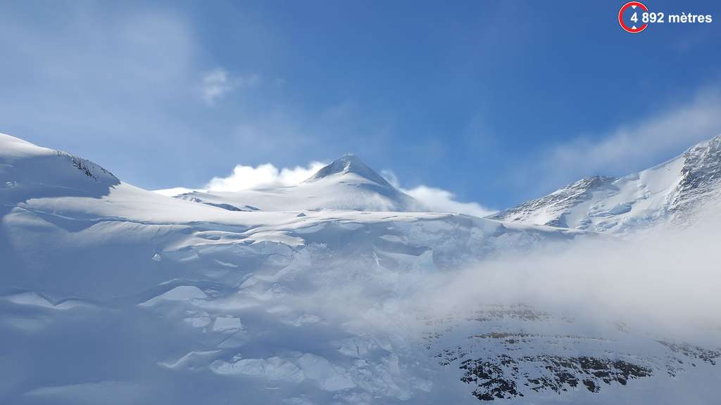 Le mont Vinson règne sur l'Antarctique