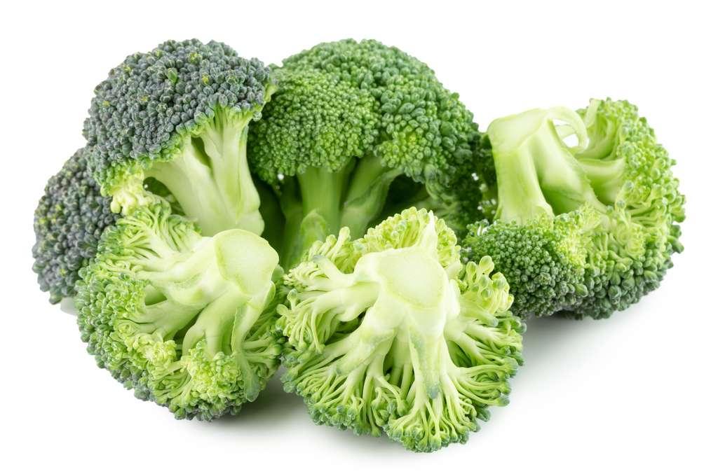 Le brocoli est l'aliment le plus riche en sulforaphane, mais d'autres crucifères comme le chou en contiennent aussi. © yurakp, Fotolia