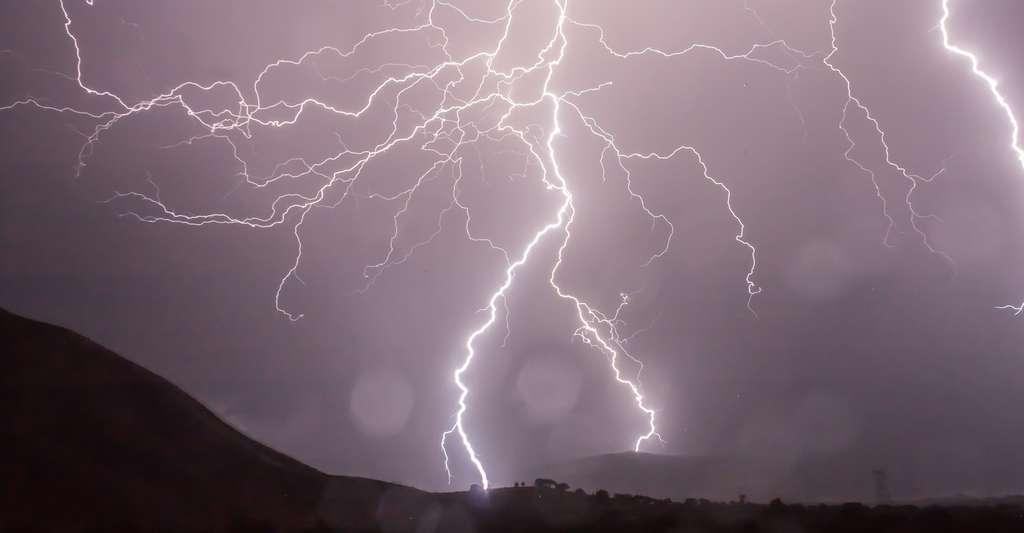 En 2004 et 2005, l'ouest des États-Unis avait été ravagé par des incendies déclenchés par des orages secs. © sethink, Pixabay, CC0 Public Domain