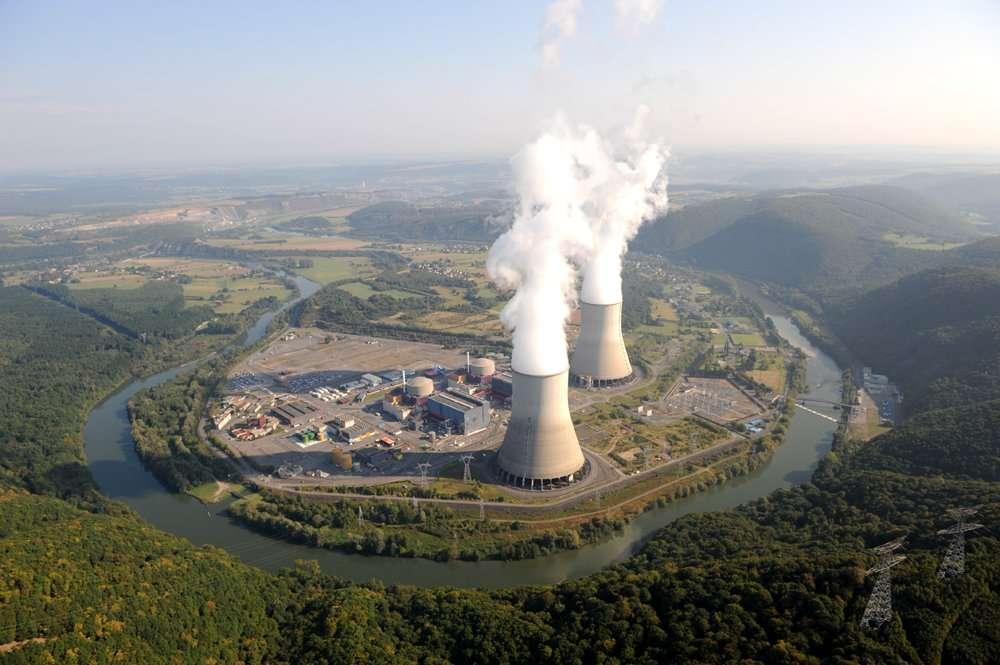 La centrale de Chooz, installée sur une boucle de la Meuse, dans les Ardennes, à dix kilomètres de Givet, près de la frontière belge. © EDF