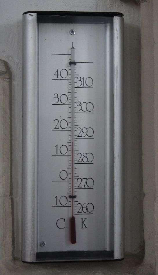 La conversion des °C aux K est aisée. © Martinvl, Wikipedia, CC by-SA 3.0