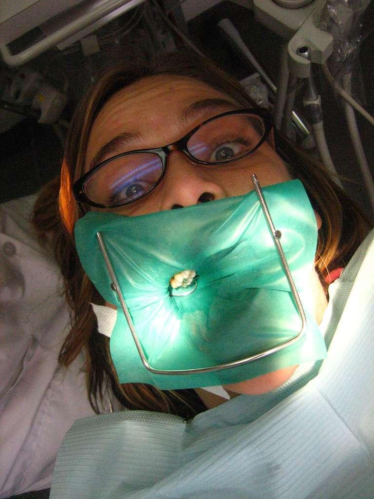 La peur du dentiste concerne 10 % des personnes, et sont d'autant plus présentes chez les enfants dont les parents sont eux-mêmes inquiets. © Betsssssy, Flickr, cc by 2.0