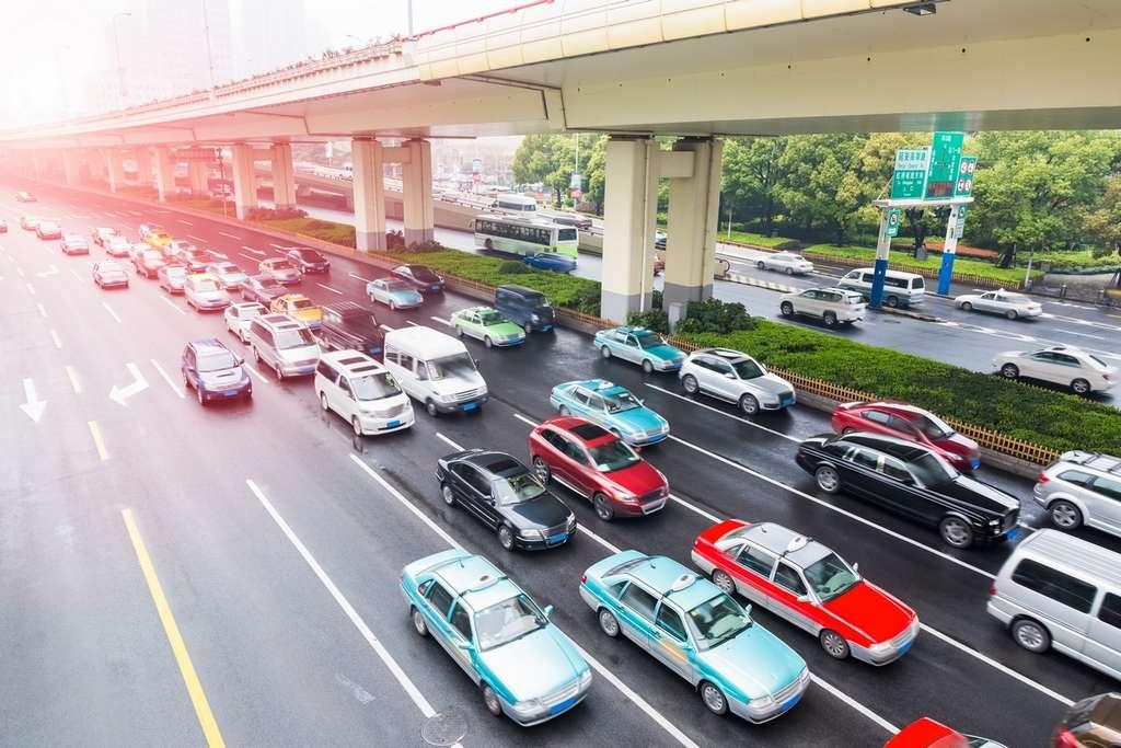 Dans une ville où ne circuleraient plus que des véhicules autonomes, les embouteillages et les accidents pourraient disparaître. © Chungking, Shutterstock