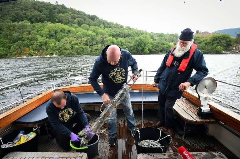 Le généticien Neil Gemmel, de l'université d'Otago à Dunedin (Nouvelle-Zélande), a analysé et séquencé les ADN de 250 échantillons d'eau recueillis en 2018 jusque dans les profondeurs du lac écossais. © Andy Buchanan, AFP, Archives