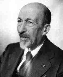 Le mathématicien Jacques Hadamard a été un des premiers à découvrir les phénomène du chaos dans les systèmes dynamiques. Crédit : bibmathweb