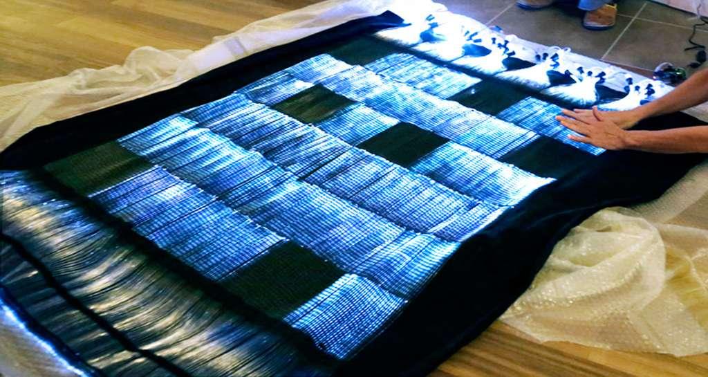 RétinA explore le potentiel image d'un textile « augmenté », surface souple, organique et communicante. © Sultra&Barthélémy, tous droits réservés