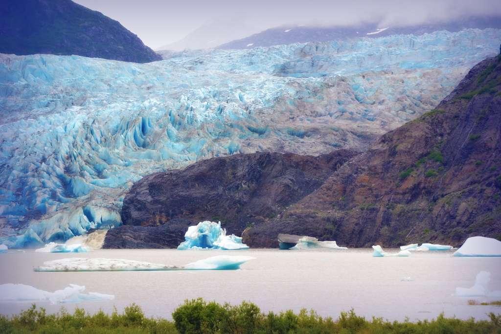 Les glaciers emprisonneraient 68,7 % des eaux douces de la planète. Au rythme actuel de fonte, l'Afrique pourrait perdre ses derniers glaciers dans moins de 20 ans. © blmiers, Flickr, CC by-nc-sa 2.0