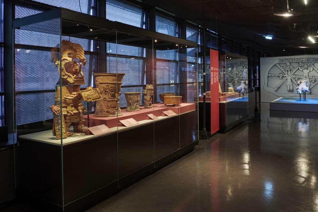 Découvrez l'immense diversité du monde précolombien des cultures du Golfe à travers une multitude d'objets uniques exposés pour la première fois en Europe. © Léo Delafontaine, musée du quai Branly - Jacques Chirac