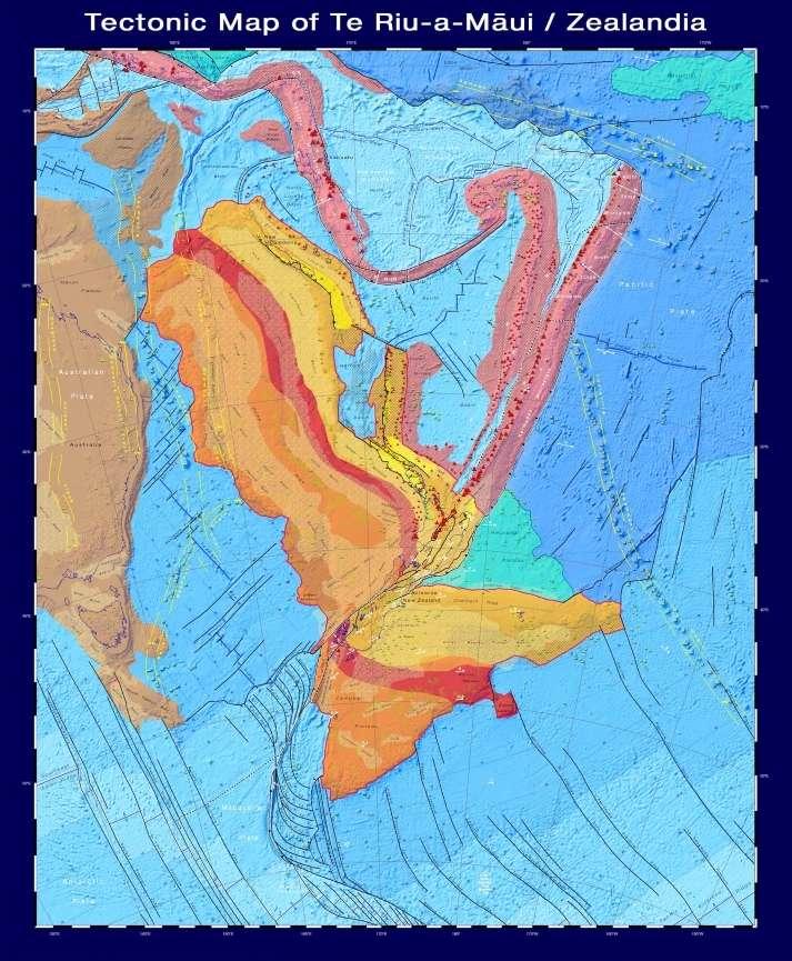 Sur cette carte tectonique, la croûte continentale est représentée par des tons rouges, orange, jaunes et bruns, et la croûte océanique, par des tons bleus. La croûte de l'arc insulaire est rose et la grande croûte de la province ignée est verte. © GNS Science