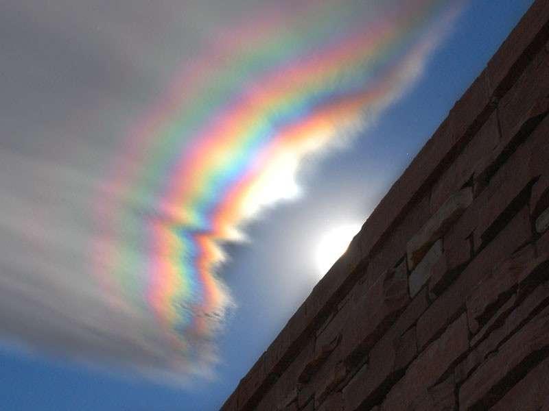 Un nuage irisé ou nuage iridescent