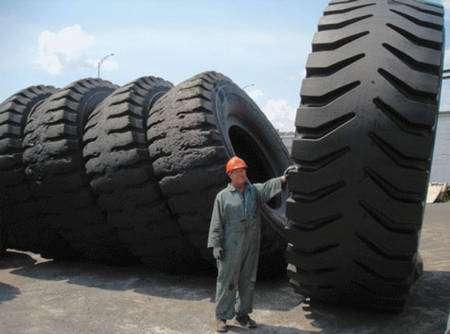 Les pneus contiennent du carbon black.