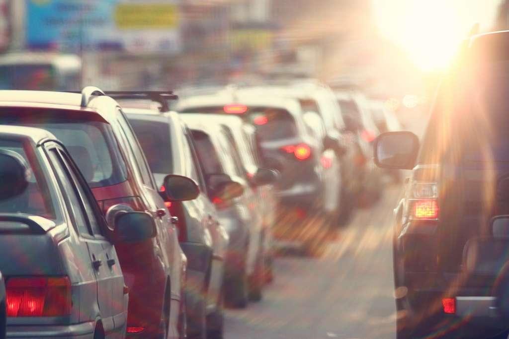 Les deux premiers kilomètres sont ceux qui consomment proportionnellement le plus d'essence. © kichigin19, Fotolia