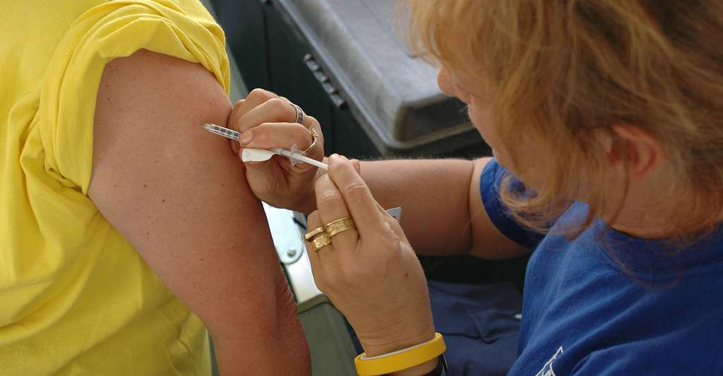 Le test d'allergie intracutané consiste à injecter avec une seringue la solution allergène. Cette dernière contient la molécule étrangère à l'organisme qui provoque une allergie. © Mark Wolfen, DP