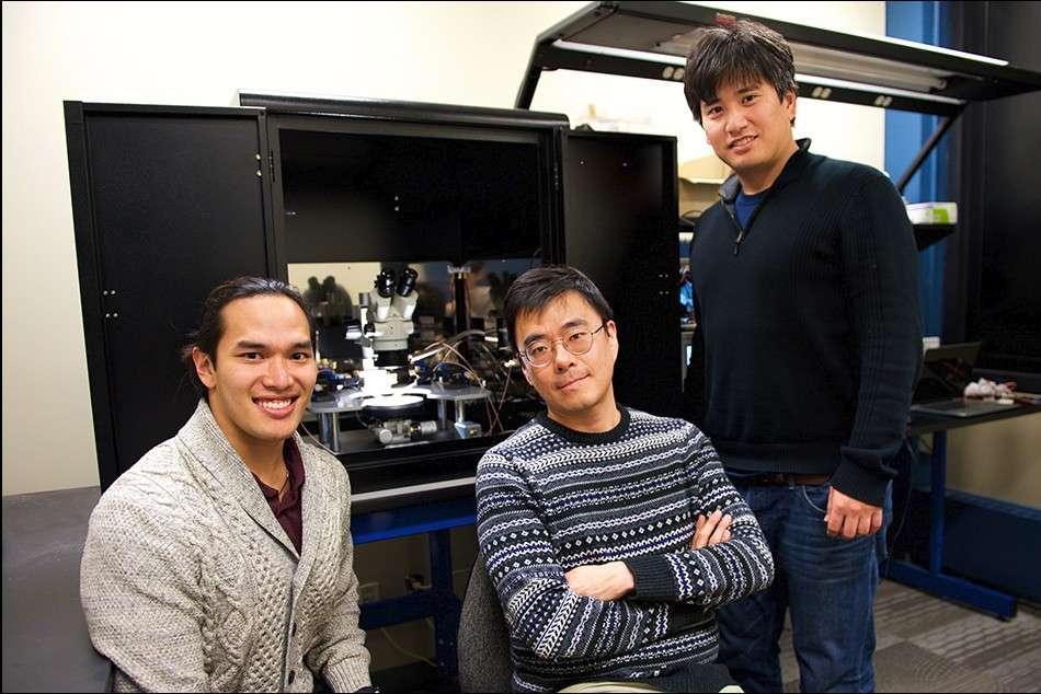 Les trois chercheurs du MIT à l'origine de cette avancée sur les synapses artificielles. De gauche à droite : Scott Tan, Jeehwan Kim et Shinhyun Choi. © MIT