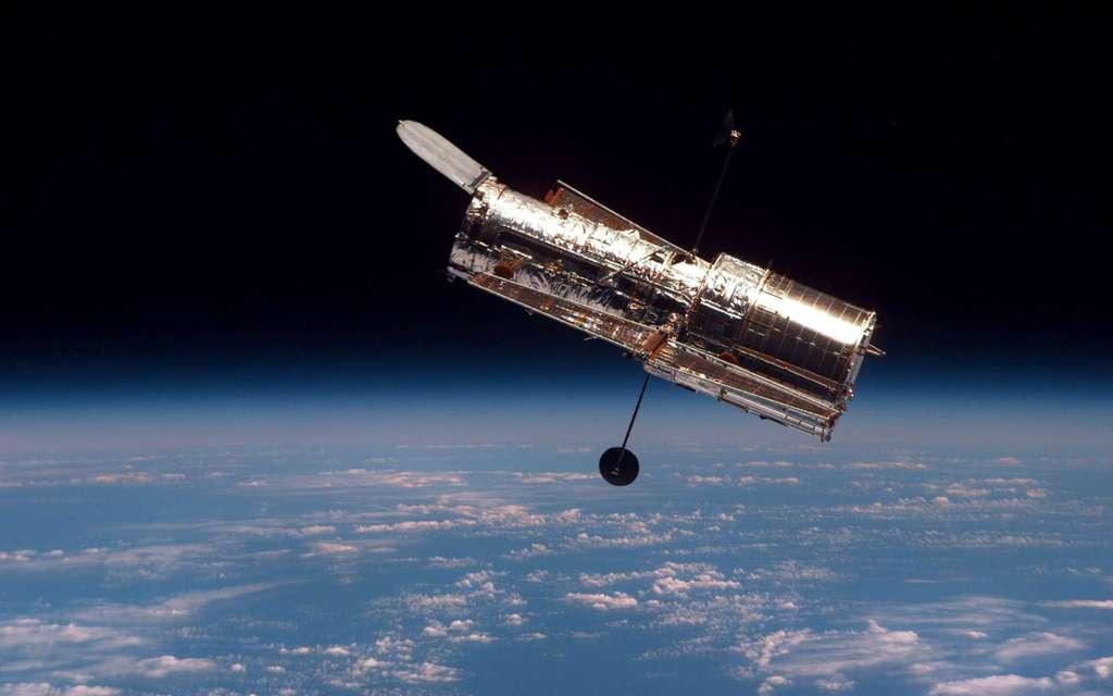 Le télescope spatial Hubble, à 550 kilomètres d'altitude. © Nasa