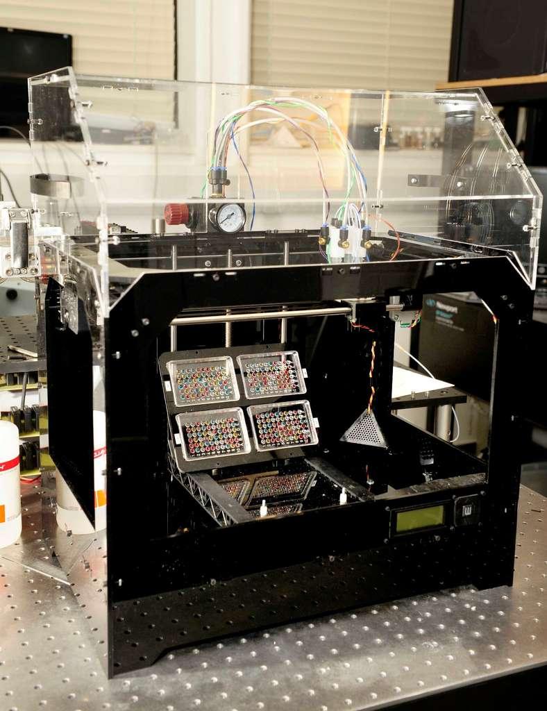 Voici le prototype utilisé par Will Shu et son équipe pour imprimer des cellules souches en 3D. © Will Shu, Biofabrication